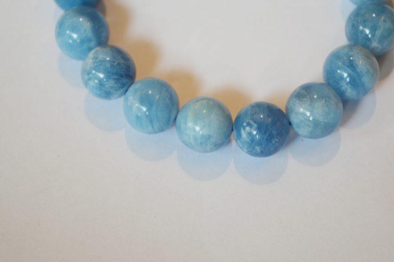 Vòng tay đá phong thuỷ aquamarine đẹp