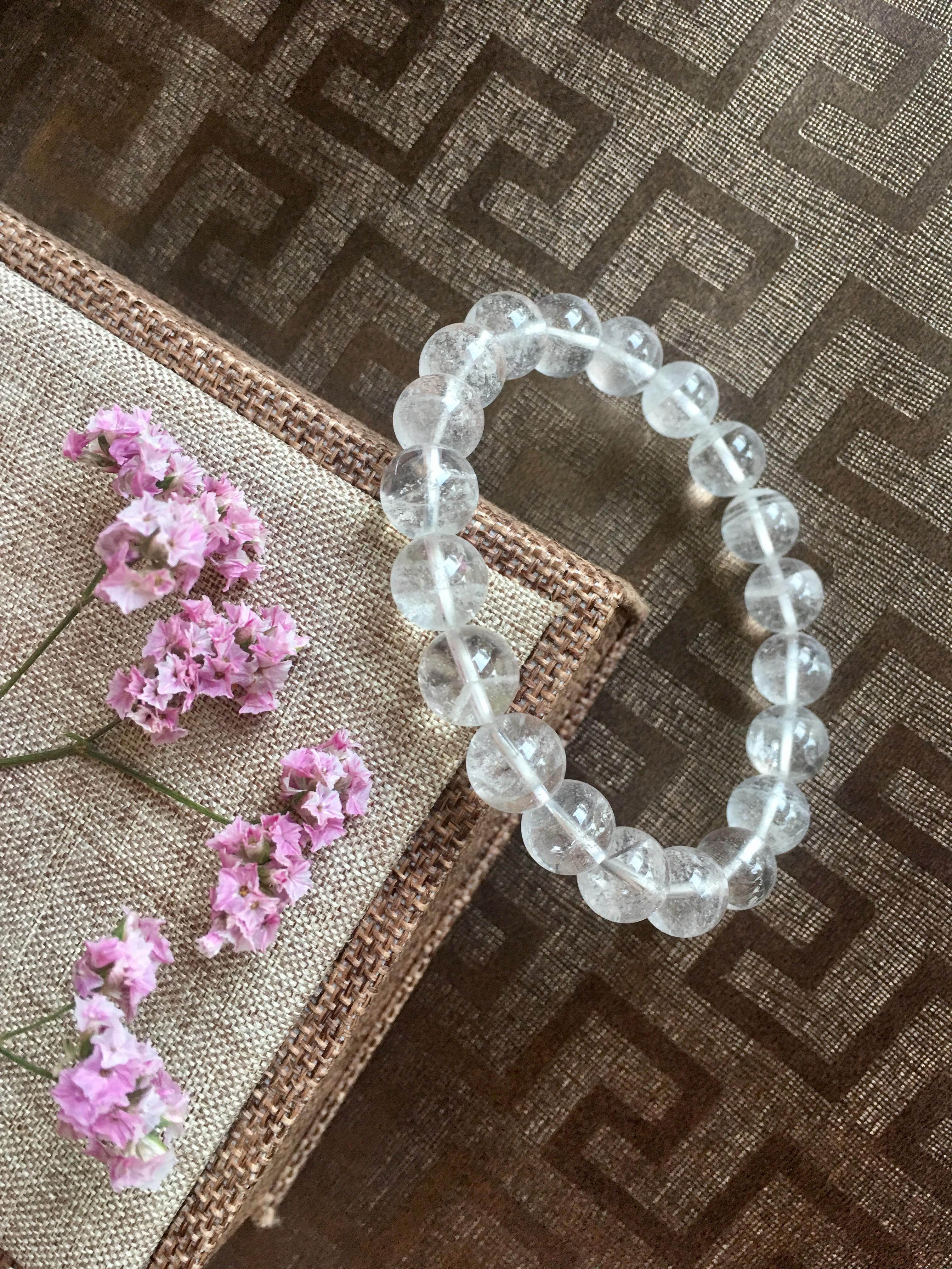 vòng tay đá phong thủy thạch anh trắng đẹp tinh khiết