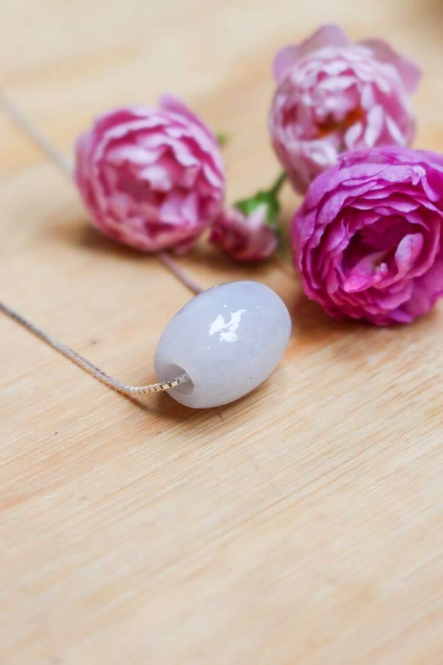 Lu thống bạch ngọc tuyết - Trang sức đá phong thủy cho nữ mệnh Thủy